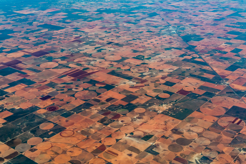 aerial_many_center_pivots