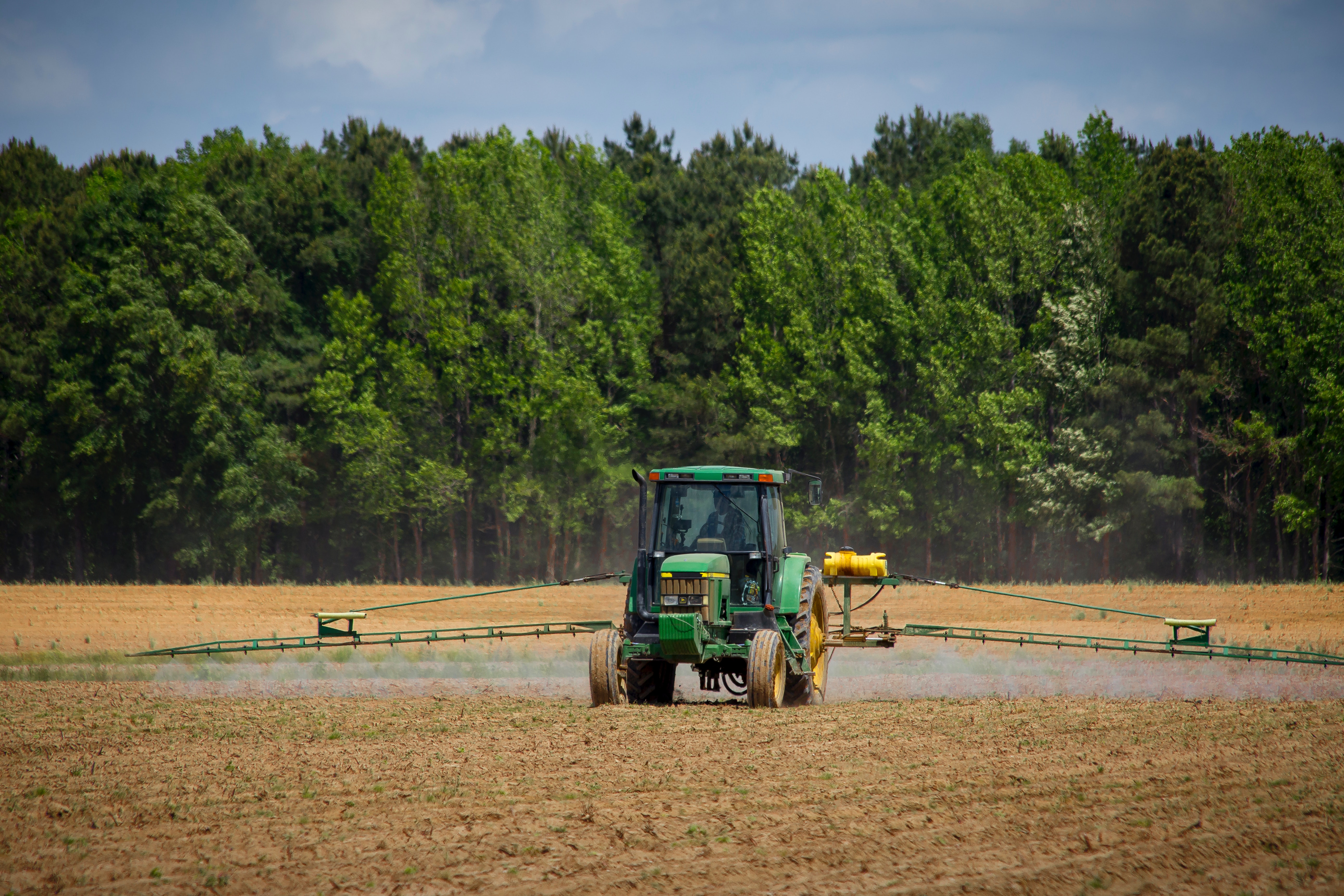 tractor_spray